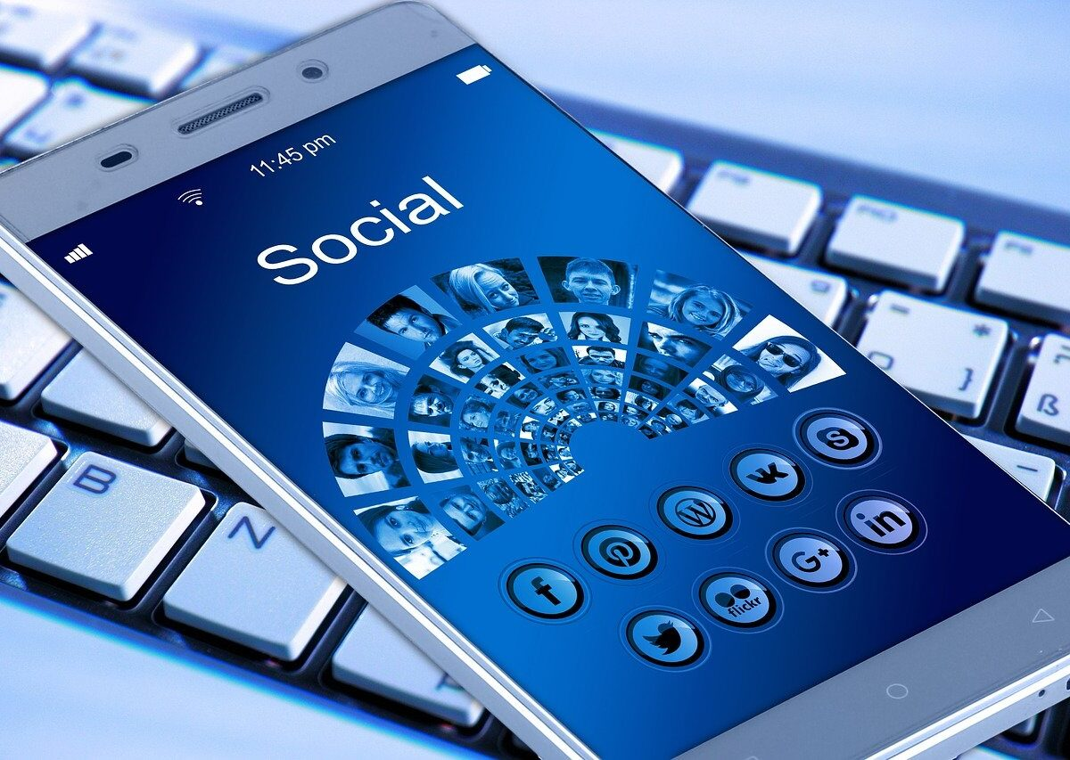 If You Haven't Integrated Social Media Into Your Business, You're Already Losing Out